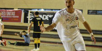 La figura: Augusto Van de Casteele se reincorporó al plantel de AFA luego de un año de ausencia y anotó un doblete.
