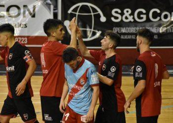 Los tres chilenos marcaron goles y fueron claves para la victoria leprosa.