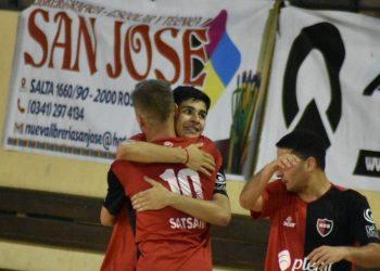 Fabricio Foresto fue uno de los destacados de la noche y selló su gran actuación con un gol.