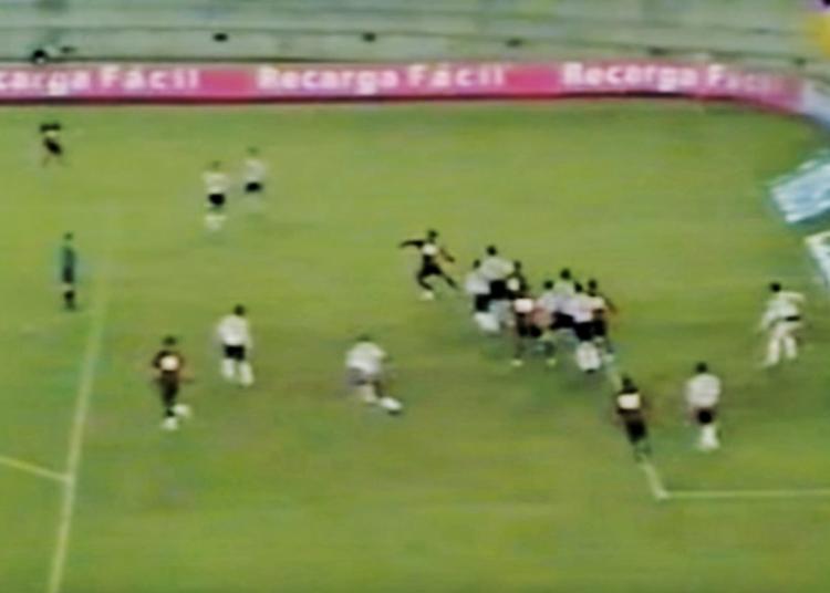 Pablo Pérez marcó su primer gol en primera a través de un taco.